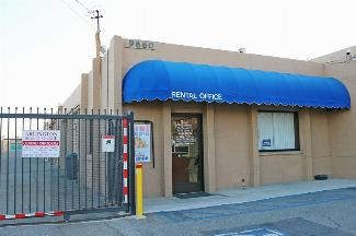 storamerica-arlington-self-storage-front-office-exterior-main