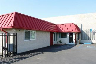 storamerica riverside iowa self storage facility front office exterior main